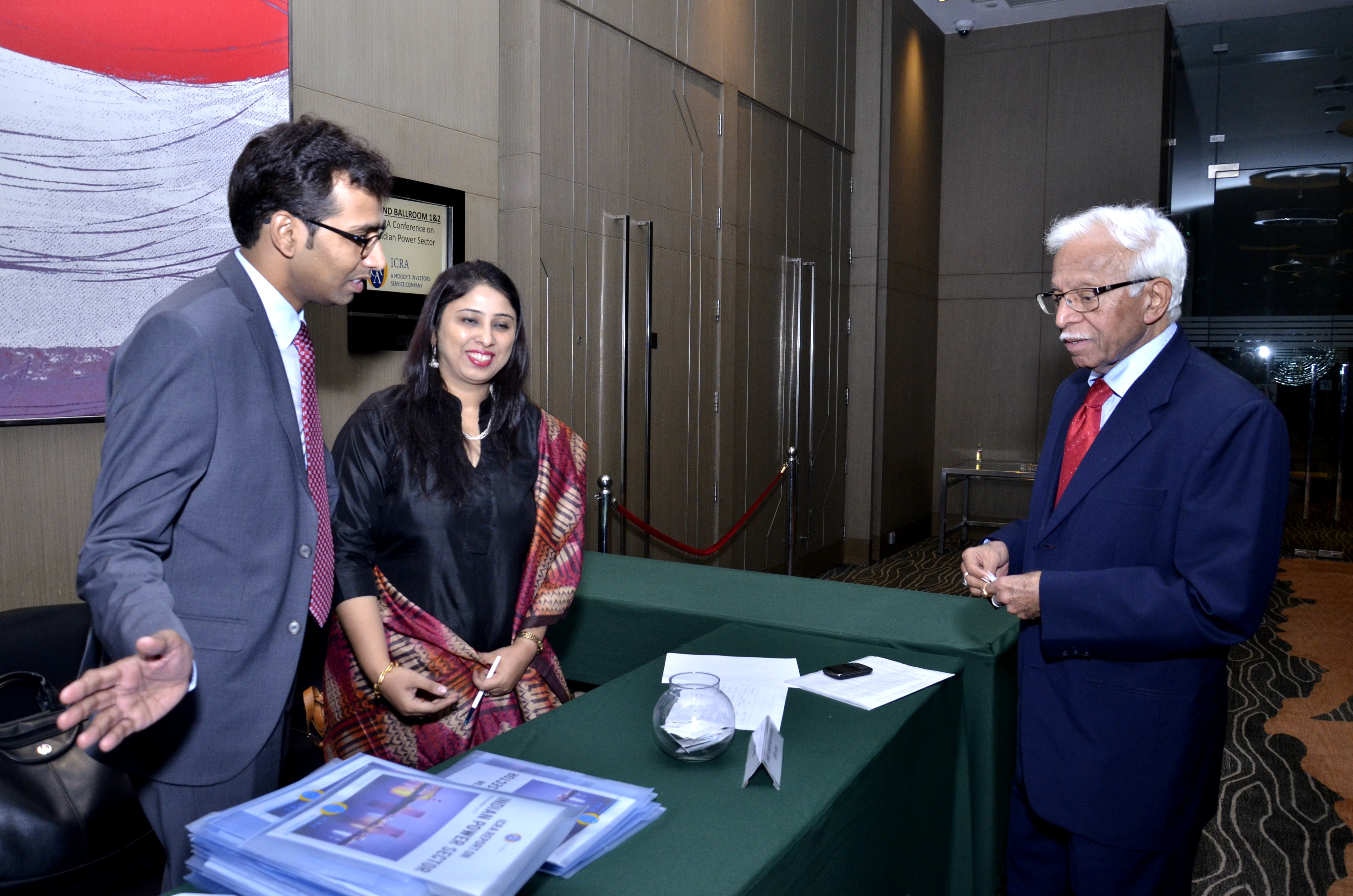 Welcoming Mr. V.S. Ailawadi, IAS (Rtd.), Former Chairman, Haryana Electricity Regulatory Commission at the Conference