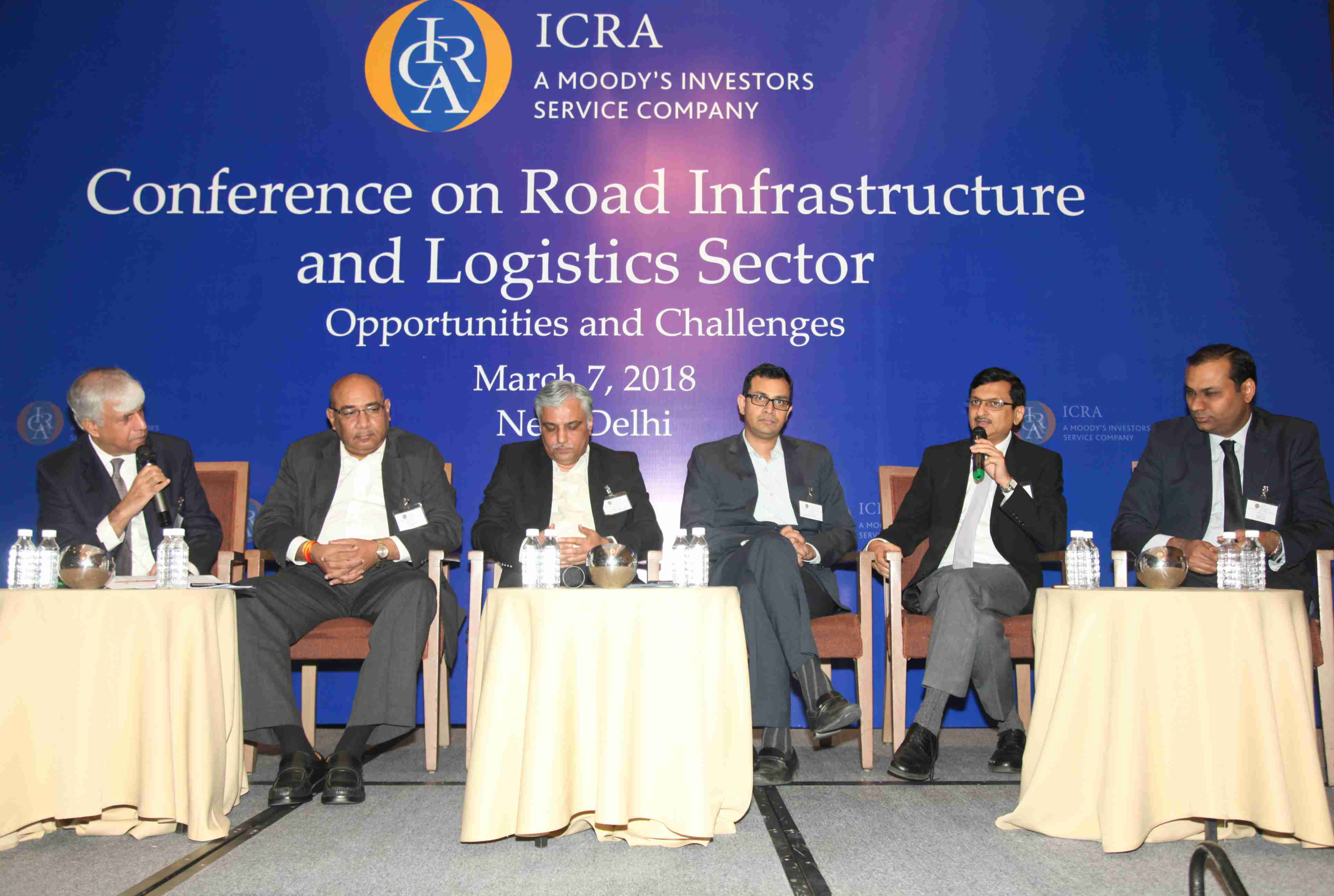 (L- R) Alok Brara, CEO and Publisher, India Infrastructure Publishing; P.R. Jaishankar, CGM, IIFCL; Rajeev Bhatnagar, MD - Feedback Highways IndVe, Feedback Infra Pvt Ltd; Sandeep Lakhanpal, Head- M&A and Business Development, Cube Highways & Transportation Assets Advisors (P) Ltd; S.K. Agarwal, Senior VP, Project Advisory & Structured Finance, SBI Capital Markets Ltd and Shubham Jain, Sector Head and VP, ICRA having a discussion on 'From NHDP to Bharatmala Pariyojana – A shift in Paradigm'